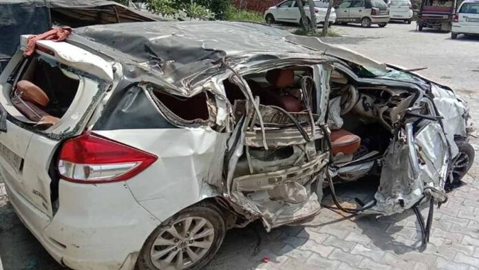 car collided with a divider near Bahalgarh flyover on GT Road