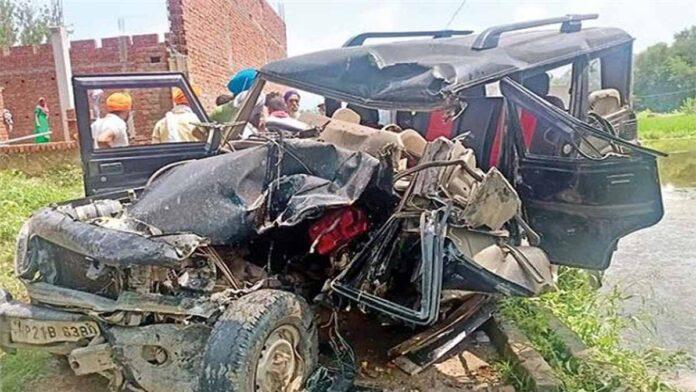 Tree fell on car one killed Chamba Himachal
