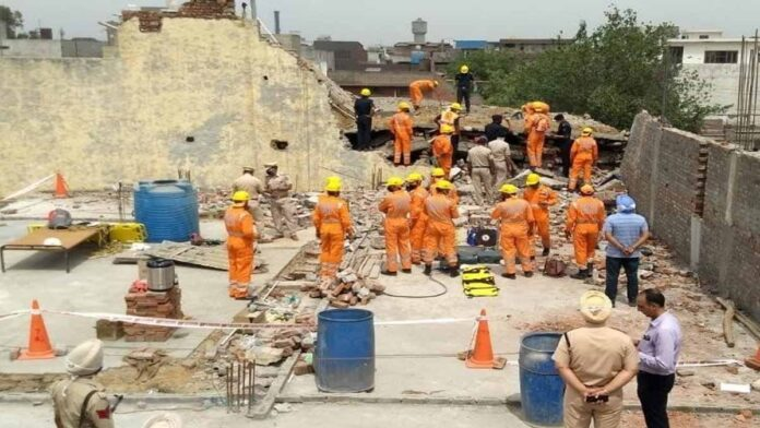 Factory building collapses three killed