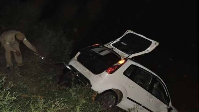 Uncontrolled car falls into canal
